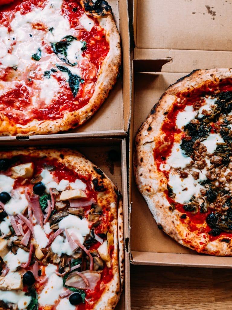 beliebte gerichte: pizzas online bestellen